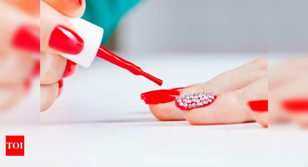 Top Coat To Remove Polish How To Remove Nail Polish Without Using A Remover Times Of India