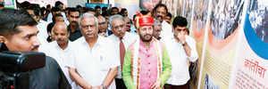Pune: Before PM Narendra Modi, HRD minister Prakash Javadekar cuts in on students' weekend
