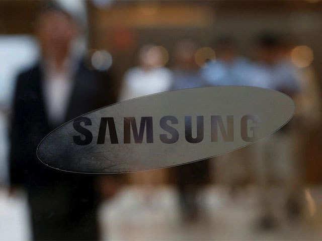 Top retailers in India caught in Samsung-Xiaomi war