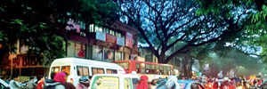 Caught in jam, ambulance takes 10 mins to cover 400 metres