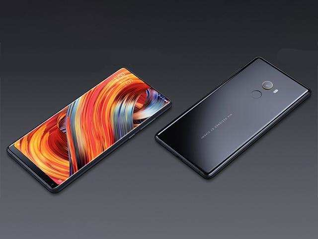 The dual-SIM (Nano-SIM) smartphone is powered by Snapdragon 835 processor, and features a 5.99-inch FHD (1080x2160 pixels)9 display. Bothe versions run on a 3400mAh battery.