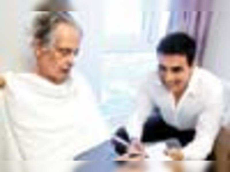 I want R K Laxman to see my film: Akshay