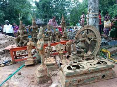 ancient idols recovered: Tamil Nadu: 14 ancient idols