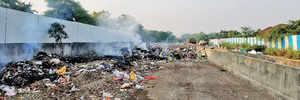 Kharadi trash burning stifles local residents