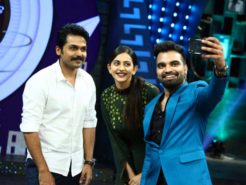Khakee Stars Karthi And Rakul Preet On Pradeep Machiraju S Konchem Touch Lo Unte Chepta Times Of India