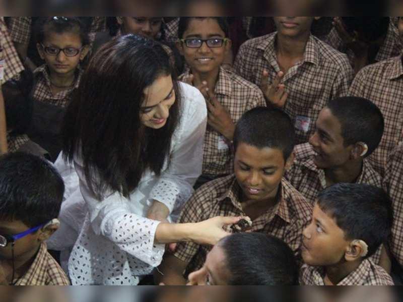 Amruta Khanvilkar celebrates birthday with special kids