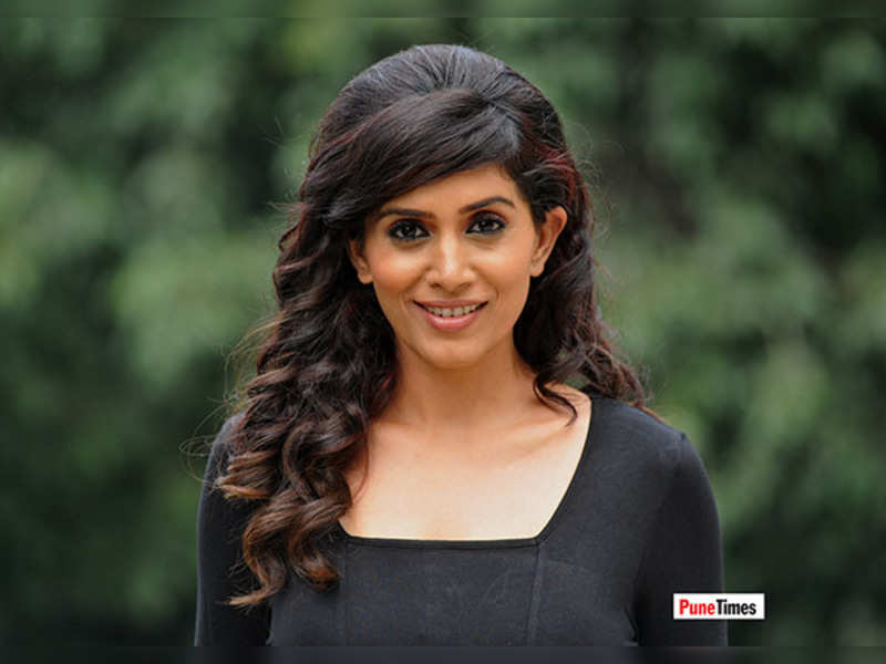 Sonali to play Naseeruddin Shah's daughter-in-law