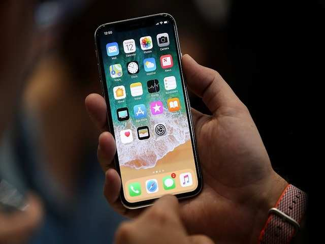 The iPhone X notch houses a dot projector, IR sensors, the front facing camera, ambient light sensor, flood illuminator, a front speaker, microphone and proximity sensors.