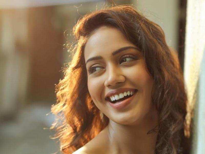 Nivetha Pethuraj is Vishnu's heroine