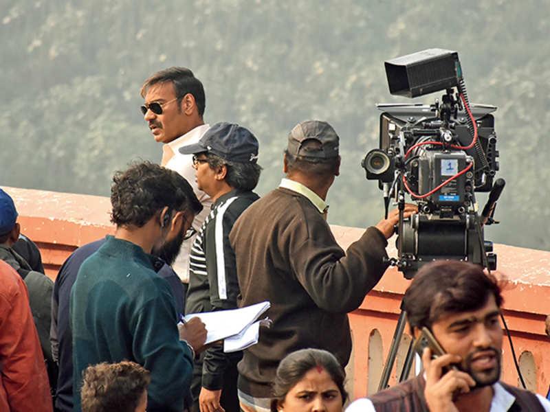 Ajay Devgn shooting at Pakka Pul on Friday morning (BCCL/ Aditya Yadav)