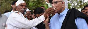 BJP veteran Yashwant Sinha's protest for farmers issues an alarm bell for govt, says Shiv Sena president Uddhav Thackeray