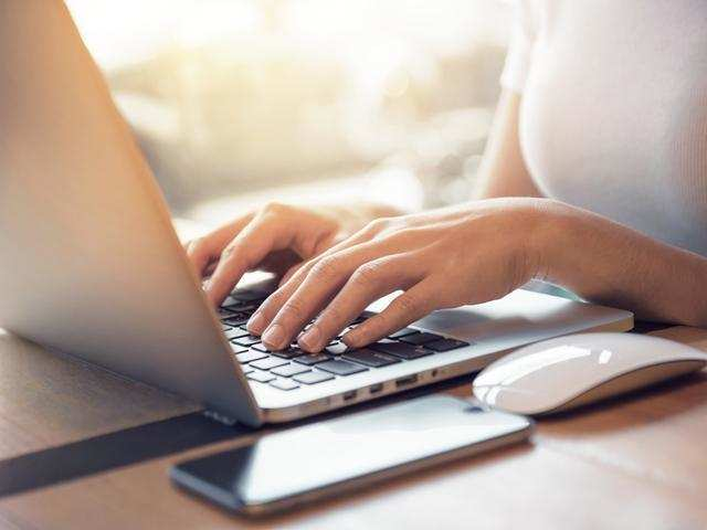 How to know when your laptop is overheated and how to keep