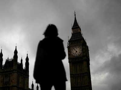 Pakistani-origin 'sex gangs' target white girls in UK: Report