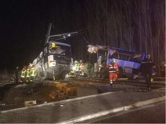 4 children dead and 19 injured in horrific school bus accident in France