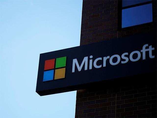 Fujitsu, Microsoft to develop AI-based workplace solutions