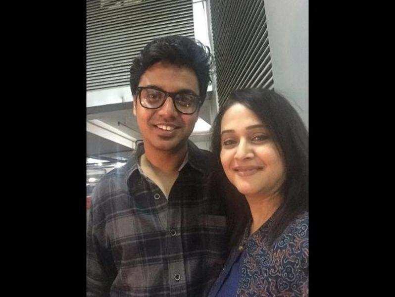 Mrinal Kulkarni's son to make his acting debut