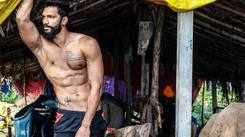 Prathamesh Maulingkar turns heads in his shirtless avatar