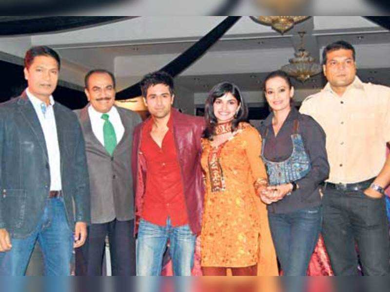 """Emraan Hashmi and Prachi Desai with the stars of """"CID"""""""