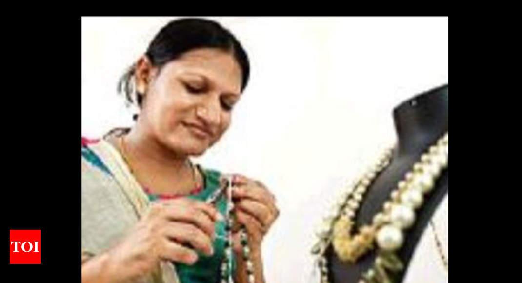 Transgender Person Gets Artisan Id From Handicrafts Corporation