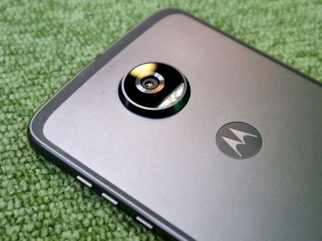 Moto G6, G6 Plus, G6 Play and Moto X5 with iPhone X-like 'notch' leak in images