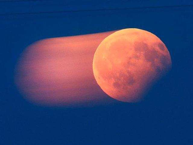 Lunar eclipse: Here's how you can capture memorable images using your smartphone