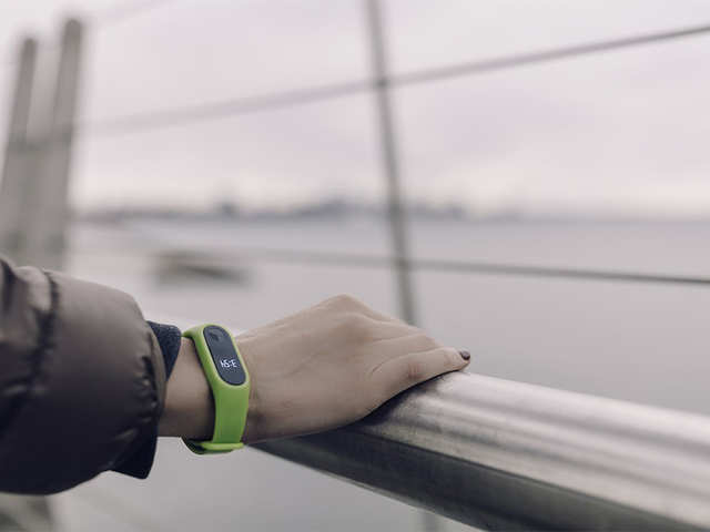 Amazon plans wristbands that will allow companies to keep tabs on their employees