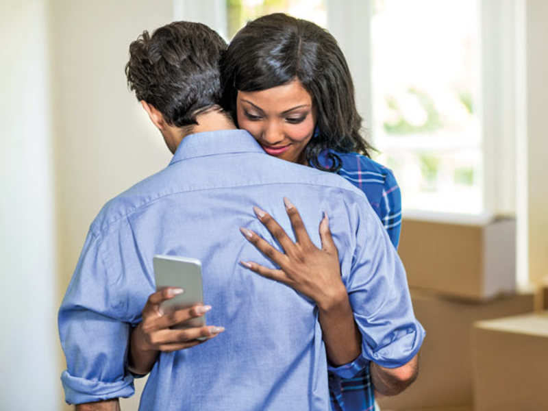 What to do if your partner is having a cyber affair - Times of India