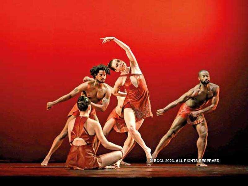 Members of the Battery Dance Group (BCCL/ Ajay Kumar Gautam)