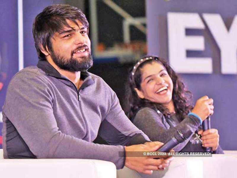 MATCHING WITS: Satyawart Kadian and Sakshi Malik at SRCC (BCCL/ Ajay Kumar Gautam)