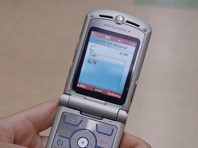 Lenovo CEO hints arrival of Motorola RAZR