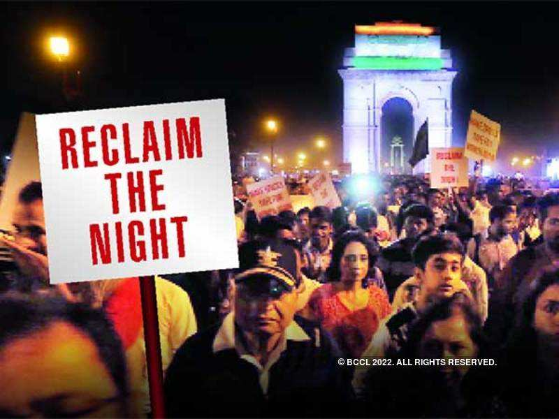 Delhiites came together at India Gate on Sunday night to demand safe spaces for women (BCCL/ Ajay Kumar Gautam)
