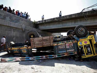 Death toll in Gujarat truck accident: Death toll in Gujarat
