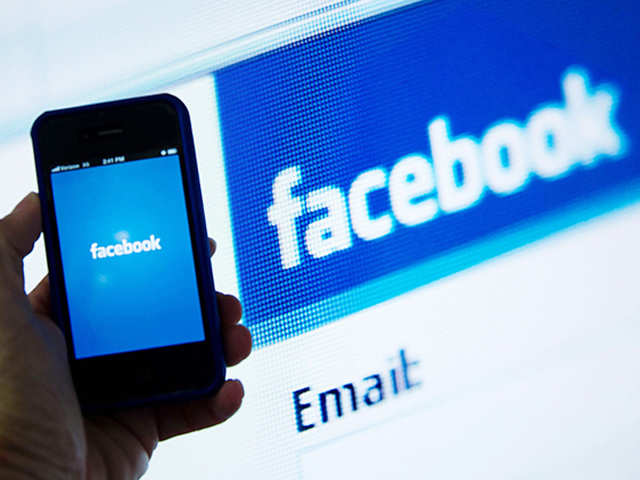 Moderate Facebook use may boost happiness in autistic adults