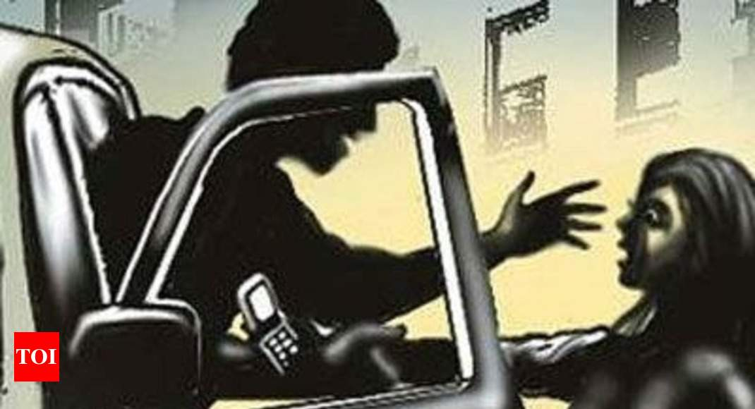 Mangaluru cabbie slaps woman for objecting to rash driving - Times of India