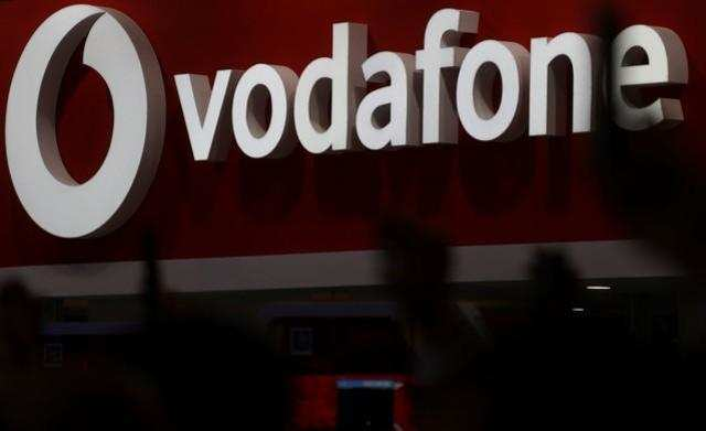 10 lakh Aircel customers port to Vodafone