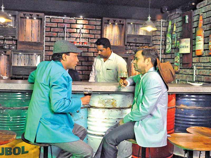 Sunil Pal and Rajpal Yadav shooting a scene at a hotel in Kanpur (BCCL/ AS Rathor)