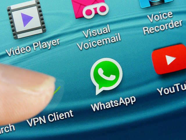 Robbery victim uses WhatsApp to recover goods