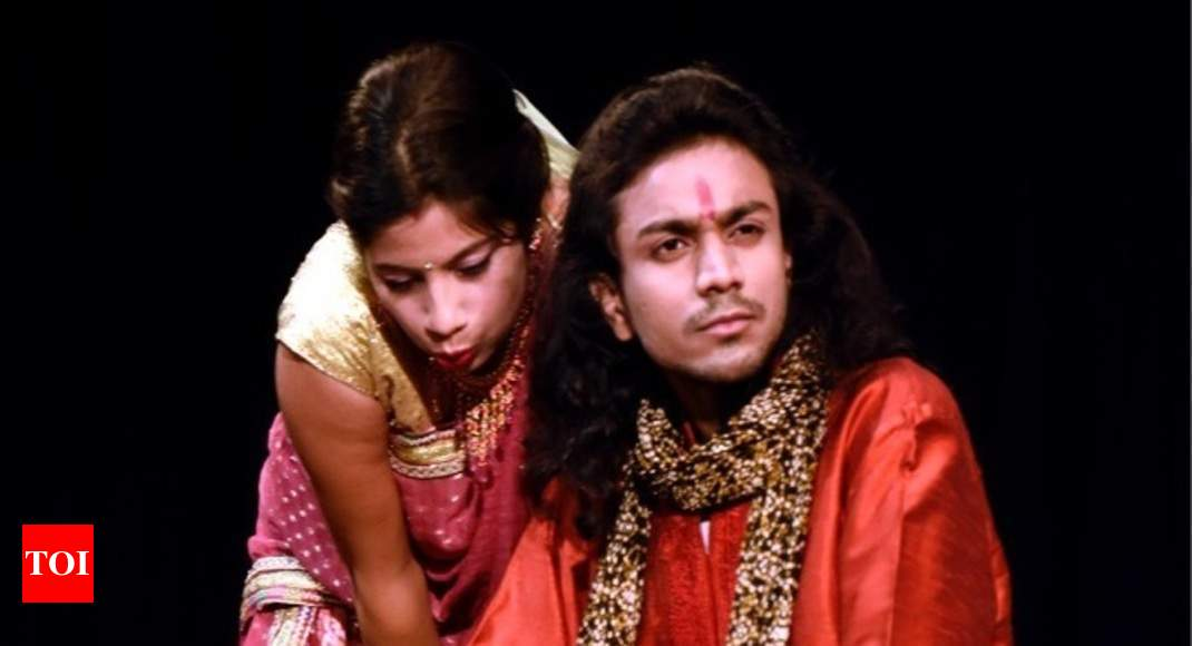 love conflicts in girish karnads plays essay Hence, the play had its relevance that older generation demand sacrifices on the part of younger generationunlike his other play, it was priya adarkar who first translated the play it served the purpose until girish karnad himself felt the need to translate it in 2008.