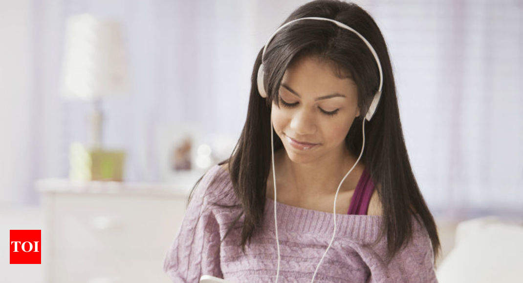 7dcaa54599a94 Hear, hear! Indians are 'reading' audiobooks - Times of India