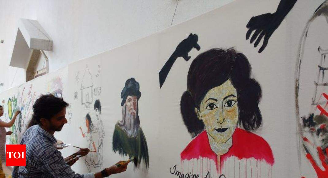 Paintings bengaluru citizens paint on a 100 ft canvas for A 100 paint