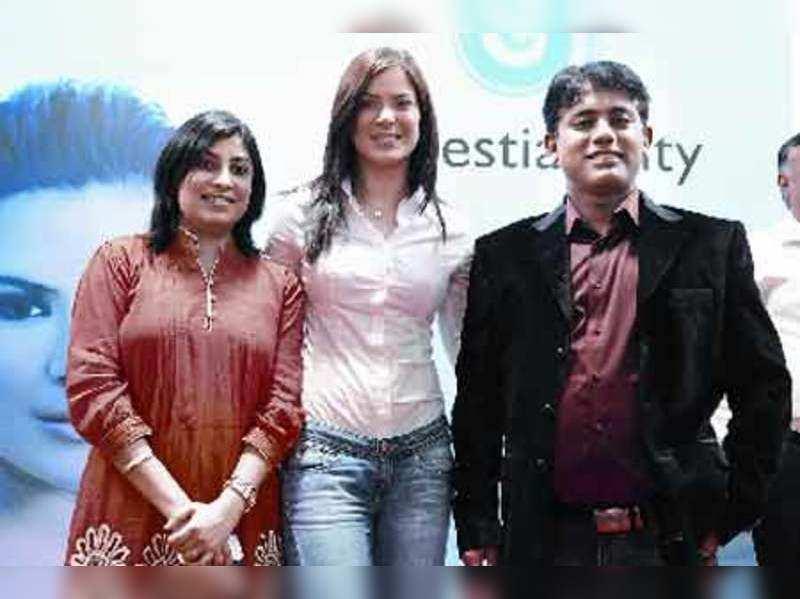 Preema Panjabi, Urvashi Sharma and Raju Panjabi