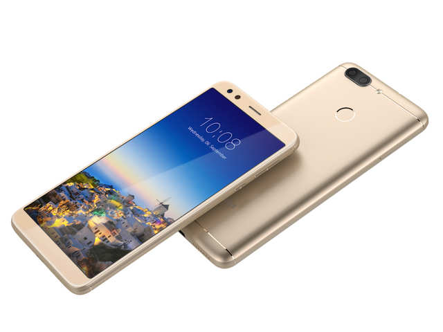 The InFocus Vision 3 smartphone boasts 5.7-inch HD+ IPS wide-angle, ON-CELL High transparent display of 1440x720p resolution with 18:9 aspect ratio.
