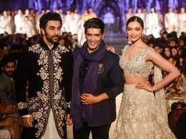 Ranbir Kapoor and Deepika Padukone recreate their on-screen chemistry at Manish Malhotra's fashion show