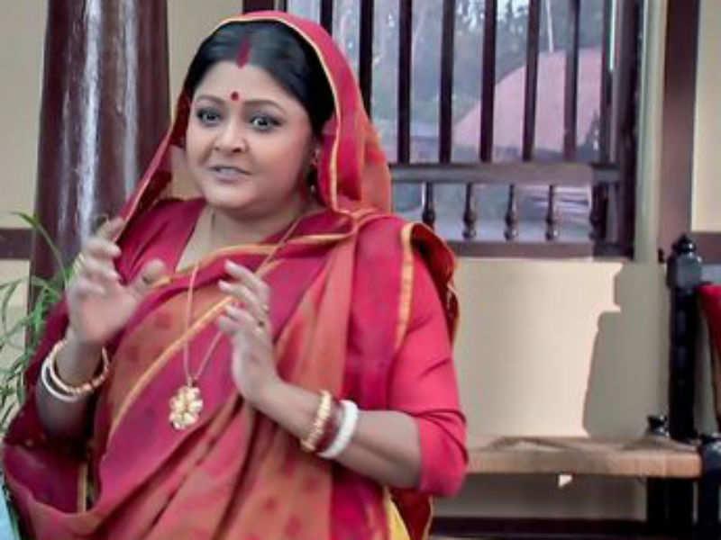 Here's why Khokababu actress Mousumi Saha loves to ride Metro rail