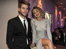 Liam Hemsworth pranks Miley Cyrus