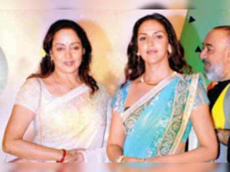 Hema Esha Attend Pramod Agarwal S Show Events Movie News Times Of India