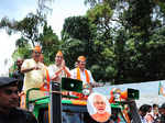 Rajnath holds mega roadshow in Bengaluru
