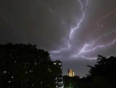 Oppdatert Thunderstorm in North India: IMD alert forecasts thunderstorm BU-12