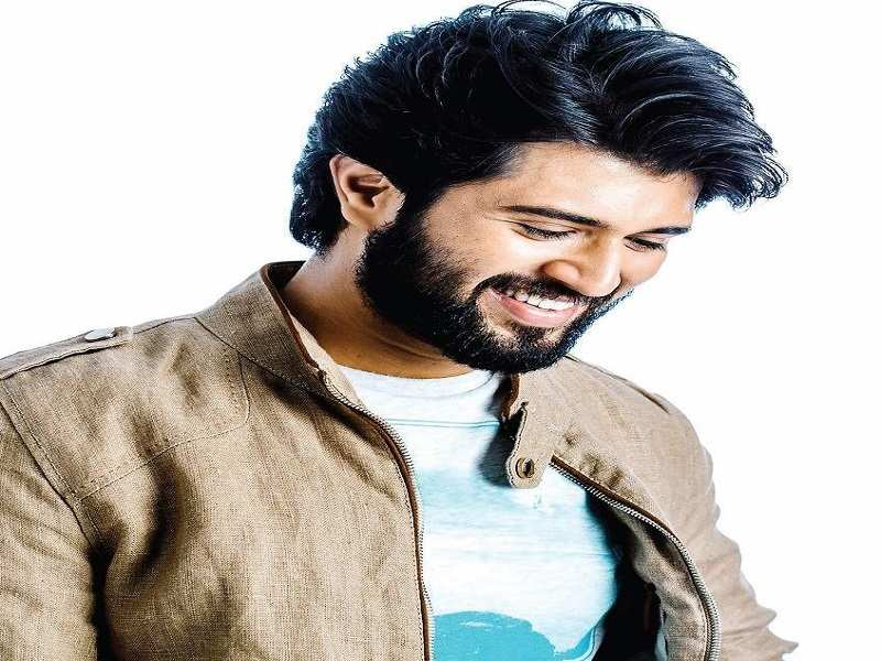 Vijay Devarakonda celebrates his birthday in a unique way