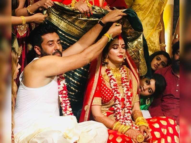 All that happened at Raj-Subhashree wedding | Bengali Movie News ...